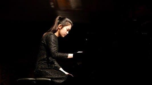 Yu-Ping Vicky Juo, piano